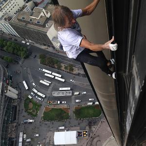 Rock climber Alain Robert Spiderman Montparnasse France escalade grimpe la tour