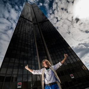 Alain Robert escalade la tour montparnasse a Paris french spiderman l homme araignee speech conference evenementiel